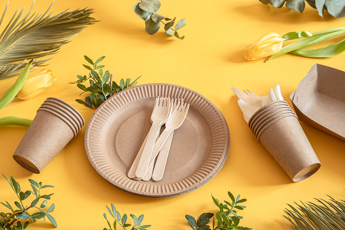 Be-Good-Packaging-Paper-Cups-plate-cutlery